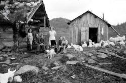 Bøsstaul i Øyfjell Anne og Tor Aabø 04 - #KvH 06-066 b